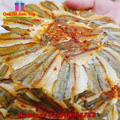Khô cá chỉ vàng ghép hình bông hoa